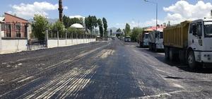 Van Büyükşehir Belediyesi yol çalışmalarını sürdürüyor