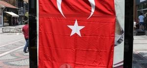 Edirne'de HDP'ye büyük şok Reklamları Türk bayrakları ile kapatıldı