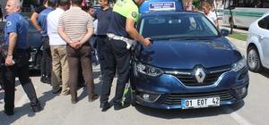 Adana'da köpeğin kovaladığı çocuğa otomobil çarptı