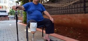 """Engelli vatandaşın """"elim, ayağım, her şeyimdi"""" dediği akülü motoru çalındı Akülü motoru çalınan Ali İlanç, """"Motorum benim elim, ayağım, her şeyimdi. Eve bağlandım, evden çıkamaz oldum"""" dedi"""