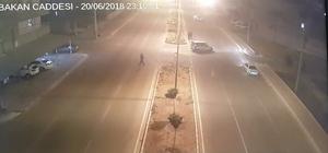 Cadde ortasındaki kanlı hesaplaşma kamerada Olayla ilgili 2 kişi tutuklandı Caddede buluşup çatıştılar