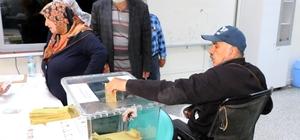 Yozgat'ta vatandaşlar sandık başına gitti