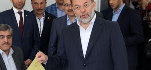 Başbakan Yardımcısı Akdağ oyunu Erzurum'da kullandı