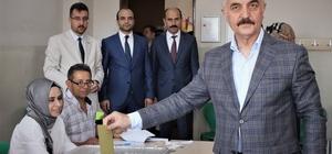 MHP Genel Sekreteri Büyükataman sıra bekleyip oyunu kullandı
