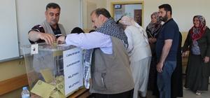 Siverek'te 135 bin 699 seçmen sandık başına gitmeye başladı