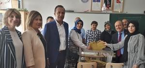 AK Parti İl Başkanı Karadağ, oyunu kullandı