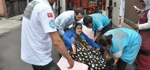 Yaşlı çift oy kullanmaya ambulansla gitti