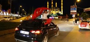 Edirne'de Romanlar seçim sonuçlarını göbek atarak kutladı