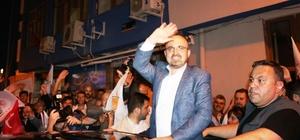 AK Parti Grup Başkanvekili Turan seçim sonucunu davul çalarak kutladı