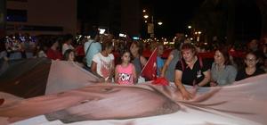 Ayvalık'ta AK Partililerin zafer coşkusu