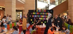 Piazza'daki etkinlikte çocuklar yeteneklerini sergiledi