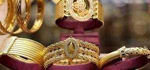 Altın fiyatlarındaki gerileme kuyumcuları sevindirdi
