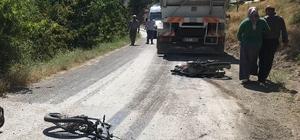 Motosiklet ile kamyon çarpıştı: 1 ölü, 1 yaralı