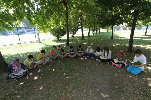 Bilgievi öğrencileri şehitler için Yasini Şerif okudu