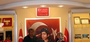 """15 Temmuz Şehidi Cennet Yiğit Müzesi'ni 5 bin kişi ziyaret etti Şehit Cennet Yiğit'in annesi Huriye Yiğit: """"Türk Milleti vatanına sahip çıksın, Allah bir daha 15 Temmuz'u yaşatmasın"""" Baba Yahya Kemal Yiğit: """"Ülkemizin kurtuluşunda yavrumuz küçük bir vesile olmuşsa bununla iftihar ediyoruz"""""""