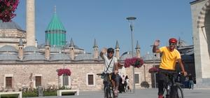 Kutsal topraklara kadar pedal çevirecekler Makedonya'dan bisikletle hacca gitmek için yola çıkan iki arkadaş, yolculuklarının 18. gününde Konya'ya ulaştı