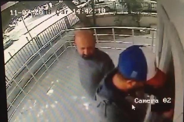 ATM dolandırıcısını, güvenlik kamerası ele verdi Kart kopyalama aparatı yerleştiren 3 şahıstan biri tutuklandı