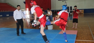İskenderun'da genç Kick Boksçular 15 Temmuz Şehitleri için ringe çıktı