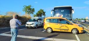 Tekirdağ'da yolcu otobüsü taksi ile çarpıştı, trafik durma noktasına geldi