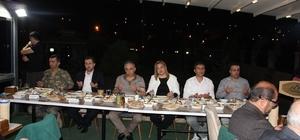 Hakkari'de şehit aileleri ve gaziler onuruna yemek verildi