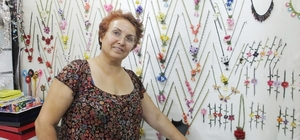 Burhaniye'de açılan kurslar kadınları üretici yaptı