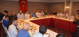 """Abiş Hopikoğlu: """"Bizi korsan taksi noktasına getiriyorlar"""" Trabzonspor Basketbol Kulübü Başkanı Abiş Hopikoğlu: """"Kandırılma veya dolandırıcılık varsa kandırılan ve dolandırılan bizleriz"""" """"Başkan Ahmet Ağaoğlu'nun bu konuda eksik ya da yanlış bilgilendirildiği kanaati taşımaktayım"""""""