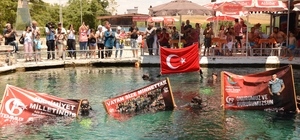 """Dalgıçlar 15 Temmuz şehitleri için suya daldılar Çifteler Belediye Başkanı Metin Özen: """"Allah bir daha Türk halkına 15 Temmuz gibi bir gün yaşatmasın"""""""