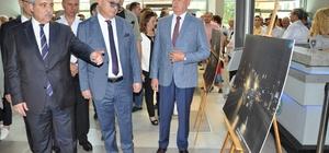 """İHA'dan Manisa'da 15 Temmuz'u unutturmayan fotoğraf sergisi Manisa Valisi Mustafa Hakan Güvençer: """"Ajans bünyesinde bu fotoğrafları çeken ve bize miras bırakan muhabir arkadaşlarımı yürekten kutluyorum"""""""