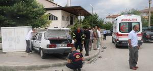 Erzincan'da iki otomobil çarpıştı: 3 yaralı
