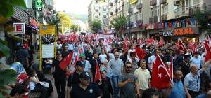 Bursa'da binler bayrak yürüyüşünde buluştu
