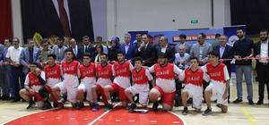 15 Temmuz'da Elazığ Belediyesinden anlamlı açılış 15 Temmuz Şehitleri ismi verilen Spor Salonu düzenlenen törenle hizmete girdi