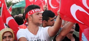 """Sakarya'da darbe teşebbüsünün 2'nci yılında 'Demokrasi Nöbeti' Demokrasi Meydanı'ndaki etkinliklere binlerce Sakaryalı katıldı Sakarya Valisi İrfan Balkanlıoğlu: """"Milletimizin 50 yılını çaldılar"""" Sakarya Büyükşehir Belediyesi Başkanı Toçoğlu: """"15 Temmuz zaferi yeni bir devrin başlangıcıdır"""""""