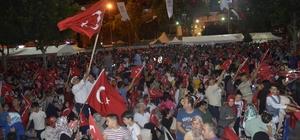"""Denizli'de on binler 15 Temmuz coşkusu yaşadı AK Parti Gurup Başkan Vekili ve Denizli Milletvekili Cahit Özkan: """"Binlerce yıllık tarih yeniden altın harflerle yazıldı"""""""