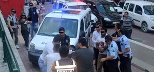 Yaşlı adamı gasp eden 5 kişi tutuklandı