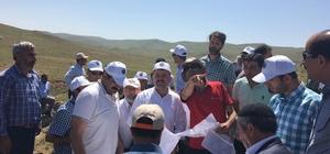 Yayla kavgasına sınır anlaşması Bingöl'de iki ilçenin birleştiği noktada bulunan ve 1 kişinin ölümü ile biten yayla kavgasının tekrar yaşanmaması için kaymakamlar devreye girerek sınır anlaşması imzalanması kararlaştırıldı