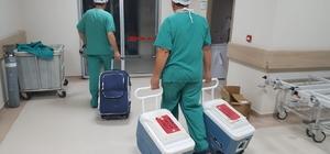 Organları 3 hastaya umut oldu Manisa'nın Akhisar ilçesinde beyin ölümü gerçekleşen vatandaşın 3 organı İzmir'de nakil bekleyen hastalara yeniden hayat verdi