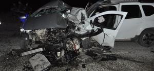 Batman'da iki otomobil çarpıştı: 1 ölü, 4 yaralı