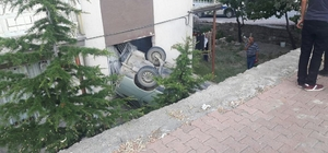 El fireni çekilmeyen araç daireye girdi