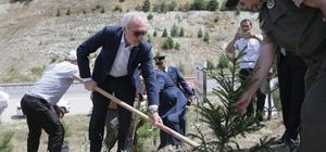 Başkan Saraçoğlu, fidan dikip can suyu verdi 15 Temmuz şehitleri anısına 60 fidan