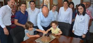 Personelden Başkan Özcan'a Doğum Günü Sürprizi