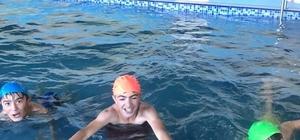 Demirözü ilçesinde yüzme havuzu büyük ilgi görüyor
