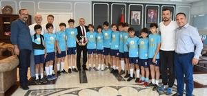 Şampiyon takım, Başkan Tekintaş'ı ziyaret etti
