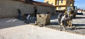 İnönü mahallelerinde kilit taş döşeme çalışmaları sürüyor Yeni mahallelerde 66 bin metrekare kilit taşı ve 13 bin 500 metre bordür döşemesi yapılacak