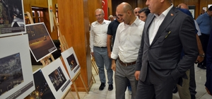 Adana'da İHA'nın 15 Temmuz destanını anlatan fotoğraf sergisi açıldı 15 Temmuz gecesi İhlas Haber Ajansı muhabirlerinin objektiflerine yansıyan fotoğraflar, Adana Büyükşehir Belediyesi Tiyatro Salonu'nda sergilendi