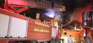 13 gün önce eşi ölen yaşlı vatandaşın evi de yandı Depoda başlayan yangında 2 katlı ev ve ahır kullanılamaz hale geldi