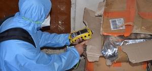 Şüpheli kargo paketi paniğe yol açtı İnternetten sipariş verilen mangal kömürü kargosundaki 4 şüpheli pakette kimyasal ölçümü yapıldı