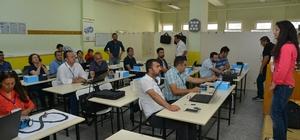 AEÜ'sinde Sınıf Öğretmenlerine 'Eğitsel Robotik Uygulamaları' eğitimi verildi