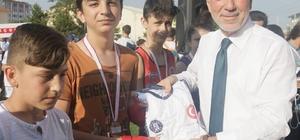 Yaz Spor Okulları'na malzeme desteği