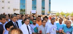 Sağlık çalışanları doktorun darp edilmesini kınadı Kafatası kırılan doktorun tedavisi devam ediyor