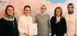 Esra Zeytin Sürücüoğlu, AK Parti Kütahya İl Kadın Kolları Başkan Vekili oldu
